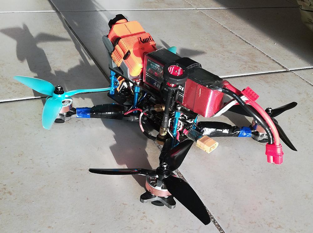 drone_build_002.jpg.0b7f460b5f58cbe4393d2b8f19217dee.jpg