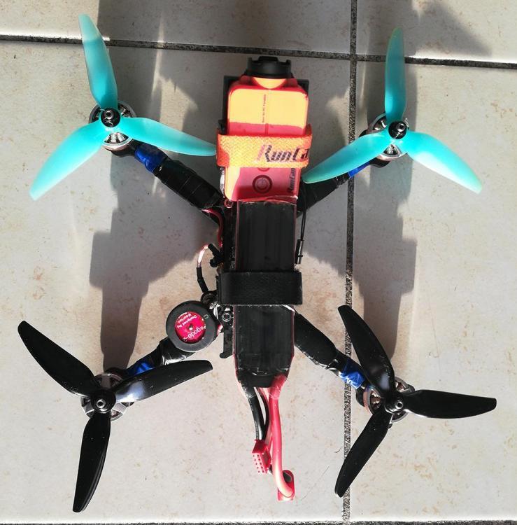 drone_build_003.thumb.jpg.8c155200c960a48dd4d9ac5ab161a6e0.jpg